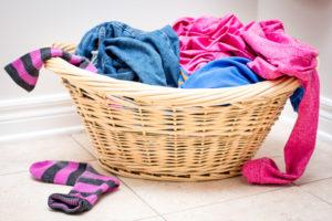 So reinigen und pflegen Sie Ihre Hose richtig